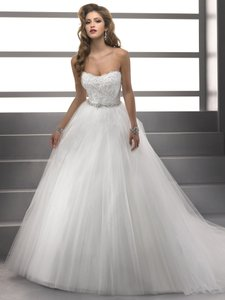 Maggie Sottero Diamond White Tulle Shaylee By Midgley Traditional Wedding Dress Size 12 (L)