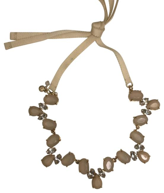 Item - Beige Cream Necklace
