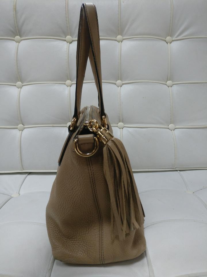 44e28307335 Gucci Gg Soho Leather Shoulder Tote in Beige Image 11. 123456789101112