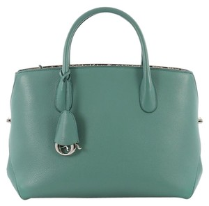 b2fead853e8c Green Dior Bags - Up to 90% off at Tradesy (Page 2)