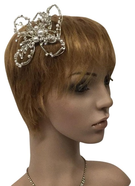 Item - Silver Ornament Hair Accessory
