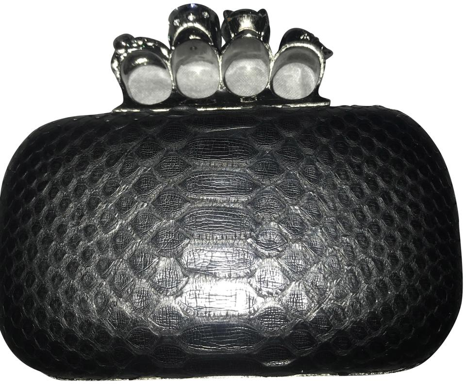 7bbb87606c94e Alexander McQueen Box Knuckle Duster Black Python Skin Leather ...