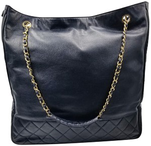 Chanel Vintage Quilted 76465 Shoulder Bag