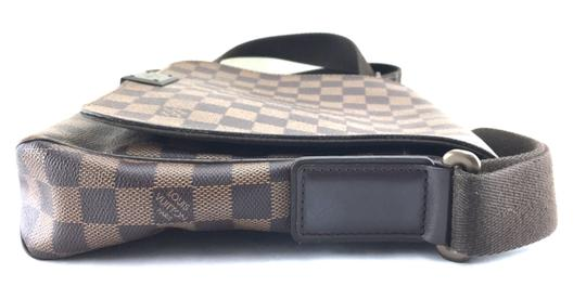 Louis Vuitton Lv Damier District Pm Brown Messenger Bag Image 6