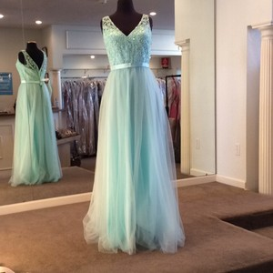 Mori Lee Mint Tulle 134 Formal Bridesmaid/Mob Dress Size 14 (L)