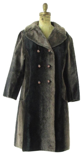 Preload https://img-static.tradesy.com/item/24474224/brown-seeotta-vintage-60-s-faux-dbl-breasted-swing-coat-size-12-l-0-1-650-650.jpg