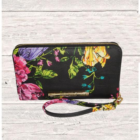 Betsey Johnson BLACK FLORAL PRINT ZIP AROUND WALLET /WRISTLET Image 2
