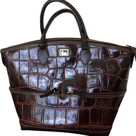 Preload https://img-static.tradesy.com/item/24474706/dooney-and-bourke-fino-domed-brown-and-black-croc-embossed-leather-satchel-0-1-540-540.jpg