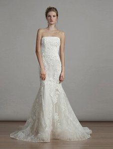 Liancarlo Ivory/Cream Chantilly Lace Guipure Lace 6891 Formal Wedding Dress Size 10 (M)