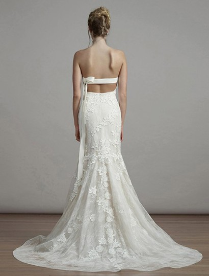 Liancarlo Ivory/Cream Chantilly Lace Guipure Lace 6891 Formal Wedding Dress Size 10 (M) Image 1