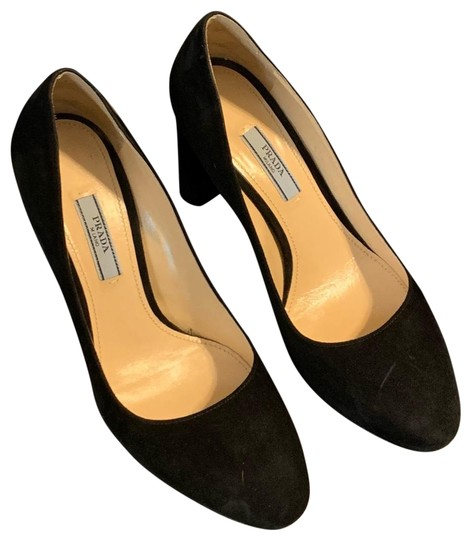 Preload https://img-static.tradesy.com/item/24474854/prada-black-round-toe-pumps-size-eu-37-approx-us-7-regular-m-b-0-1-540-540.jpg