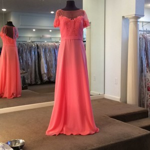 Mori Lee Coral Chiffon 124 Formal Bridesmaid/Mob Dress Size 10 (M)