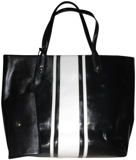 Preload https://img-static.tradesy.com/item/24475487/trim-black-canvas-tote-0-1-540-540.jpg