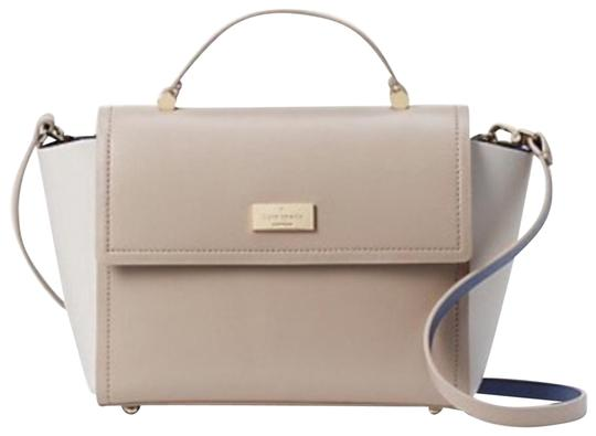 Preload https://img-static.tradesy.com/item/24475776/kate-spade-double-faced-beige-light-blue-leather-cross-body-bag-0-1-540-540.jpg