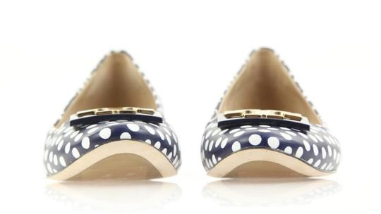 Tory Burch White Navy Blue Pumps Image 11