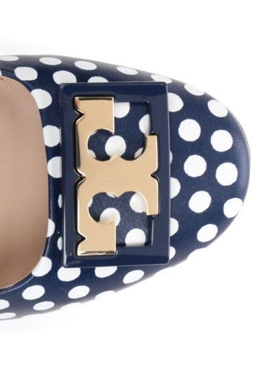 Tory Burch White Navy Blue Pumps Image 2