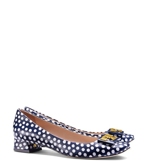 Tory Burch White Navy Blue Pumps Image 4