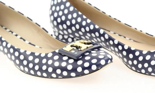 Tory Burch White Navy Blue Pumps Image 6