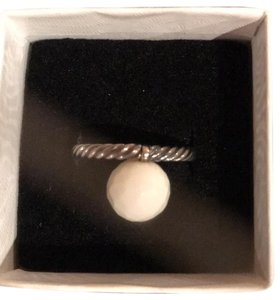 David Yurman small cable ring with white agate