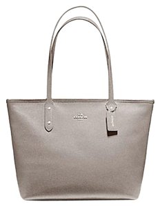 Coach New With Tags Tote in Heather Grey