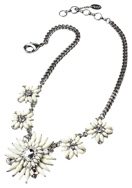 Item - Silver Statement Night Out Ivory New Necklace