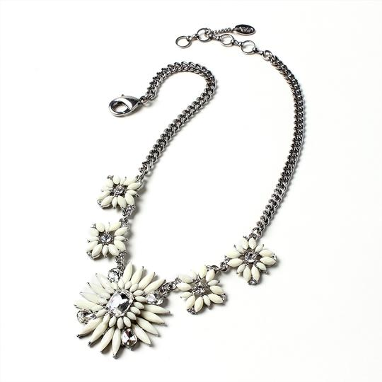 Amrits Singh Statement Amrita Singh Night Out Necklace Silver Ivory New Image 2