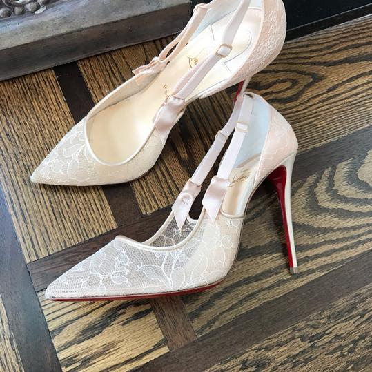 Christian Louboutin beige Pumps Image 4