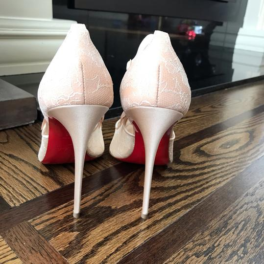 Christian Louboutin beige Pumps Image 5