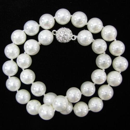 Mother of Pearl White 10 Mm South Sea Shell 18incs Long Necklace Image 5