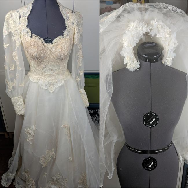 Item - White Lace Rare 1980's Gown & Accessories  Wedding Dress Size 4 (S)
