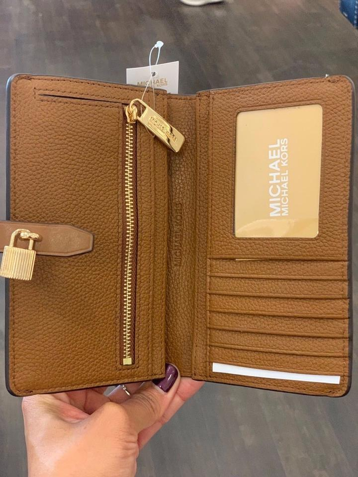 d92da9363772 Michael Kors Adele Slim Bifold LUGGAGE Pebbled Leather Wallet with Gold Lock  Image 8. 123456789