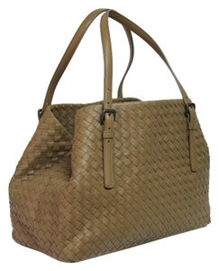 9b3dcf44f6 Bottega Veneta Bags on Sale - Up to 70% off at Tradesy