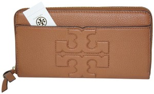 Tory Burch NEW TORY BURCH LEATHER LOGO CONTINENTAL ZIP AROUND WALLET BAG NWT