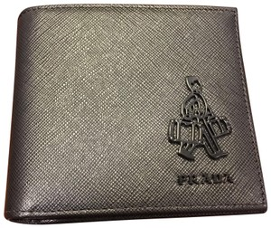 Prada Black Saffiano Bi Fold Men's Leather Wallet