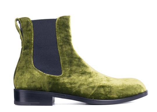 Preload https://img-static.tradesy.com/item/24480432/dries-van-noten-green-velvet-chelsea-ankle-c1673a-40-bootsbooties-size-us-10-regular-m-b-0-0-540-540.jpg