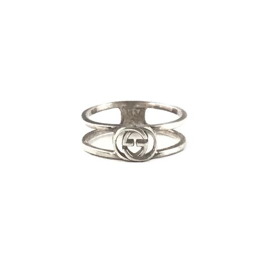 Preload https://img-static.tradesy.com/item/24480444/gucci-silver-gg-ring-0-0-540-540.jpg