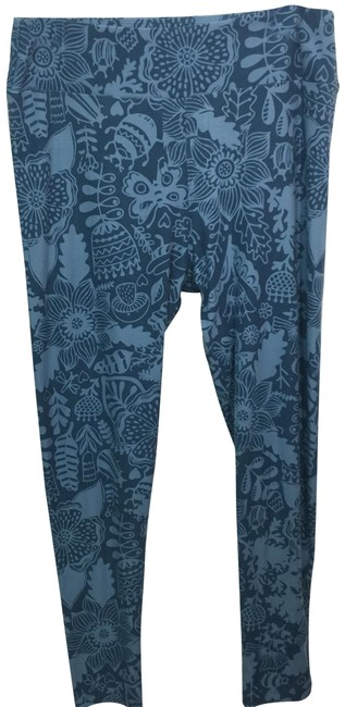 Preload https://img-static.tradesy.com/item/24480510/lularoe-blue-tall-and-curvy-leggings-size-os-one-size-0-1-650-650.jpg