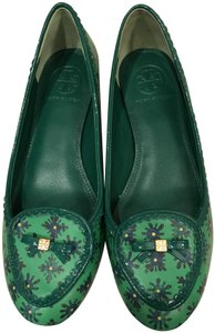 Tory Burch Green leather, blue flowers patent trim Flats
