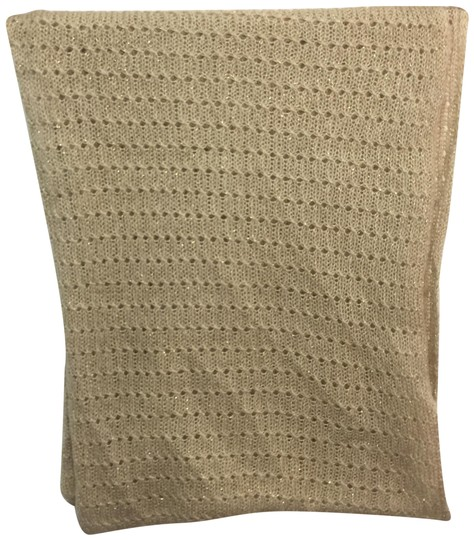 Preload https://img-static.tradesy.com/item/24480590/ruby-and-bloom-gold-knit-infinity-scarfwrap-0-1-540-540.jpg
