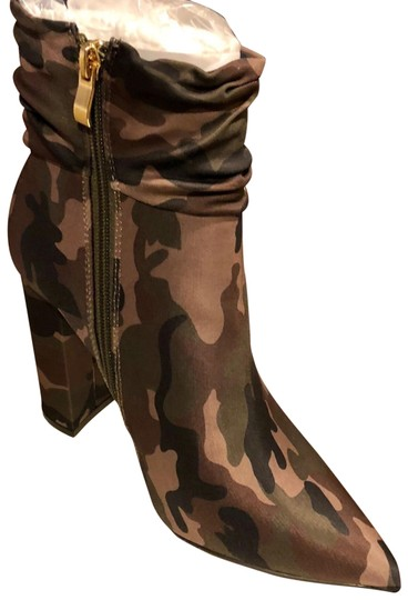 Preload https://img-static.tradesy.com/item/24480774/camo-camouflage-ankle-bootsbooties-size-us-9-regular-m-b-0-1-540-540.jpg