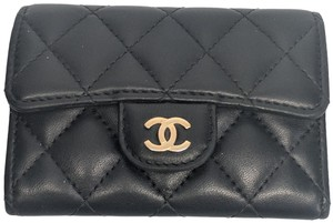 Chanel CHANEL Black Quilted Lambskin Cardholder