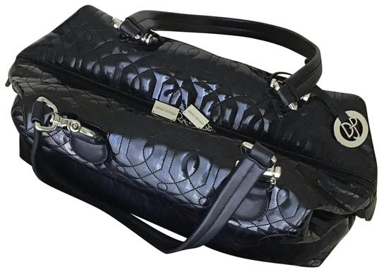 Preload https://img-static.tradesy.com/item/24480821/donald-j-pliner-quilted-black-patent-leather-satchel-0-1-540-540.jpg
