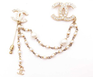 Chanel Chanel Vintage Gold Plated Double CC Link Pearl Pin Brooch