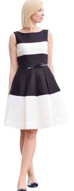 Preload https://img-static.tradesy.com/item/24480913/kate-spade-black-gayle-colorblock-blackcream-sleeveless-pleated-mid-length-short-casual-dress-size-0-0-2-650-650.jpg