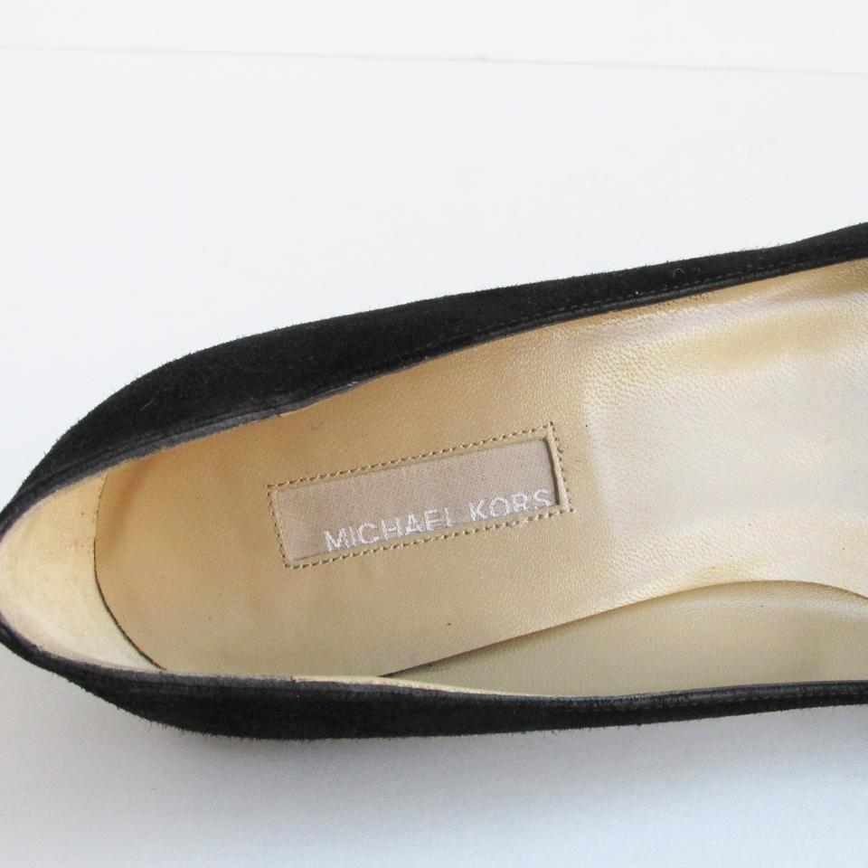 a3bfd287432b Michael Kors Collection Suede Kitten Heel Black Pumps Image 6. 1234567. 1 ∕  7