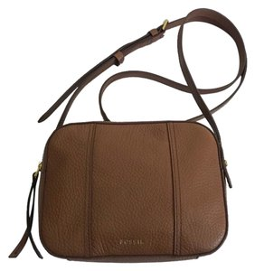 50b0232ae5c0 Fossil Bags - Up to 90% off at Tradesy (Page 4)