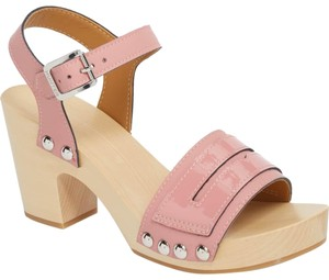 e7555f31acb20 Women s Sandals - Up to 90% off at Tradesy
