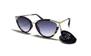 """Quay Hearsay with Blue Lens """"tags attached"""" FREE 3 DAY SHIPPING - Cat Eye"""