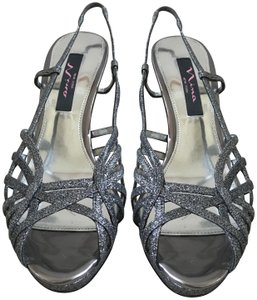 Nina Party Christmas New Years Eve Silver Glitter Pumps