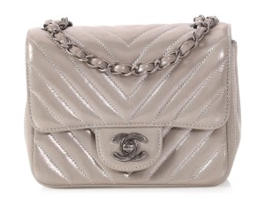 Chanel Ch.p1107.08 Silver Hardware Chevron Quilted Reduced Price Cross Body Bag